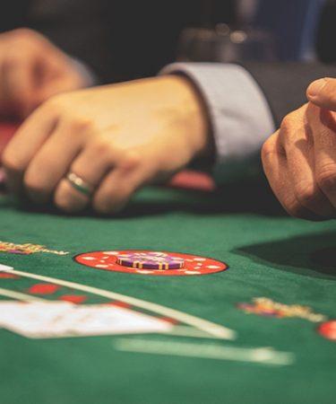 Esitelty kuva 4 loistavaa uhkapeliä parhaissa suomalaisissa kasinoissa aloittelijoille 375x450 - 4 loistavaa uhkapeliä parhaissa suomalaisissa kasinoissa aloittelijoille