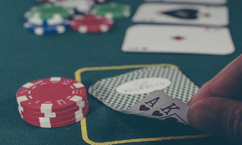 Lähetä kuva 4 loistavaa uhkapeliä parhaissa suomalaisissa kasinoissa aloittelijoille Blackjack - 4 loistavaa uhkapeliä parhaissa suomalaisissa kasinoissa aloittelijoille