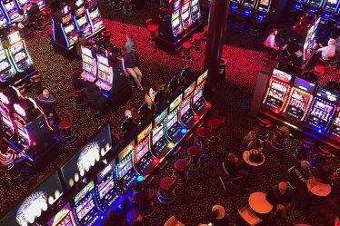 Esitelty kuva 3 loistavaa uhkapeliä jotka ovat saatavilla suomalaisissa kasinoissa 374x249 - 3 loistavaa uhkapeliä, jotka ovat saatavilla suomalaisissa kasinoissa