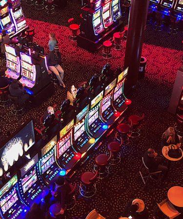 Esitelty kuva 3 loistavaa uhkapeliä jotka ovat saatavilla suomalaisissa kasinoissa 375x450 - 3 loistavaa uhkapeliä, jotka ovat saatavilla suomalaisissa kasinoissa