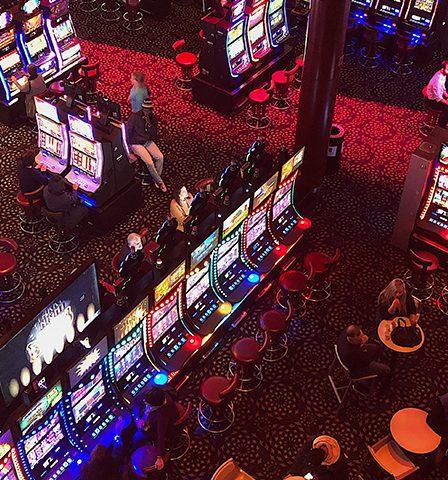 Esitelty kuva 3 loistavaa uhkapeliä jotka ovat saatavilla suomalaisissa kasinoissa 448x480 - 3 loistavaa uhkapeliä, jotka ovat saatavilla suomalaisissa kasinoissa